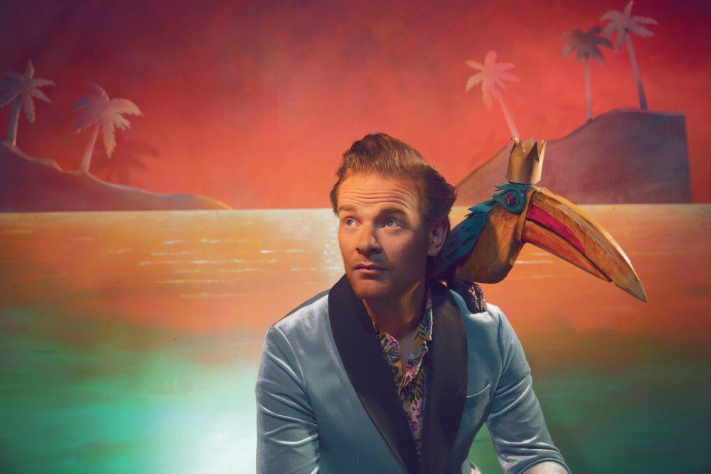 """Musique de Yacht – Garçon de Plage celebrates his love of West Coast pop with his new album """"Amour Aveugle"""""""
